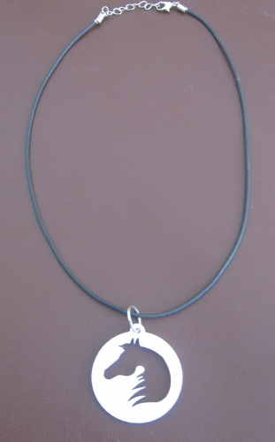 Rubber horse head pendant necklace necklace girogola
