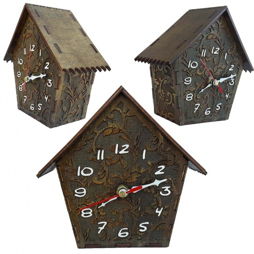 Wooden watch forms casette style pendulum